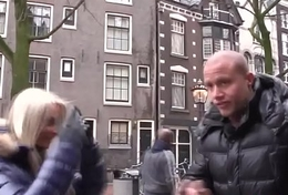 Dutch prozzie eats muff