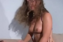 That babe gives an dazzling blowjob