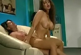 Name please? Vintage pornstar