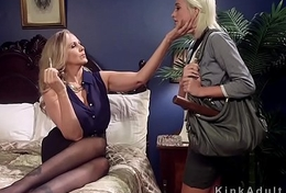 Blonde milf ties up and fucks regimen coddle