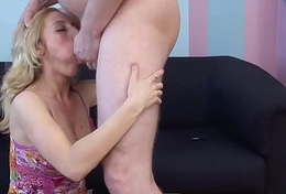 Bellowing anal