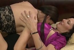 Lesbian milfs scissoring cunts passionately