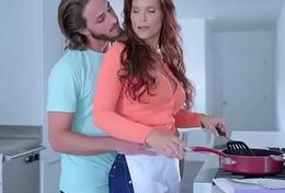 Hardcore Sex Portray With Big Surrounding Boobs Housewife (Syren De Mer) clip-24 clip1